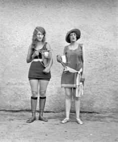 Due vincitori di un concorso di bellezza del 1922, quando gli standard di bellezza erano molto diversi