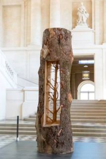 Giuseppe Penone Albero Porta - Cedro/Door Tree - Cedar, 2012 Cedar 316 x 105 x 105 cm © Archivio Penone 2020 Courtesy the artist, Gagosian, Rome and Marian Goodman Gallery, London