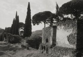 Kenro Izu, Necropoli di Porta Nocera, Pompei, 2016. Courtesy Fondazione Modena Arti Visive