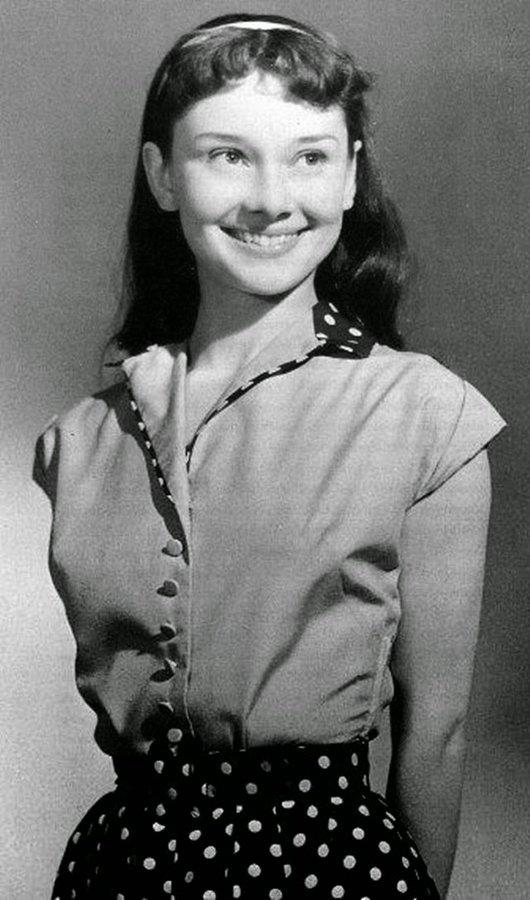 Audrey Hepburn, tredici anni, 1942