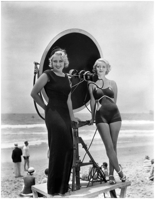 Joan Blondell & Bette Davis