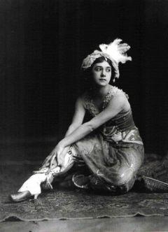 La ballerina russa Tamara Karsavina. 1920