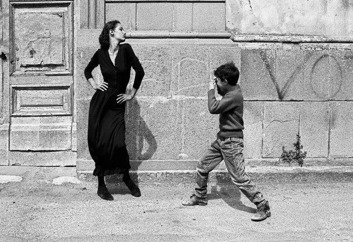 Marpessa. Caltagirone, 1987 © Ferdinando Scianna