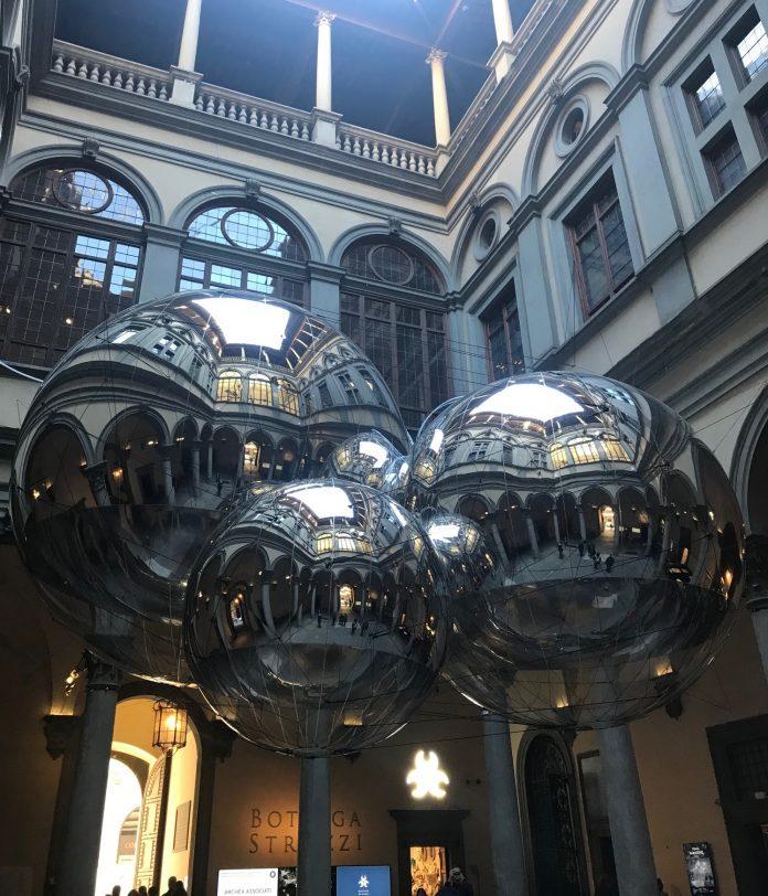 Tomás Saraceno, Aria, installation view, Palazzo Strozzi, 2020, ph SC, courtesy l'artista e Palazzo Strozzi