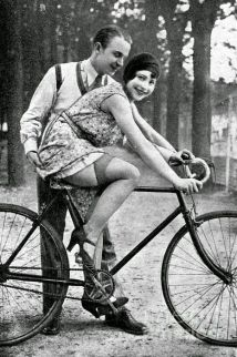 Vecchia cartolina erotica francese