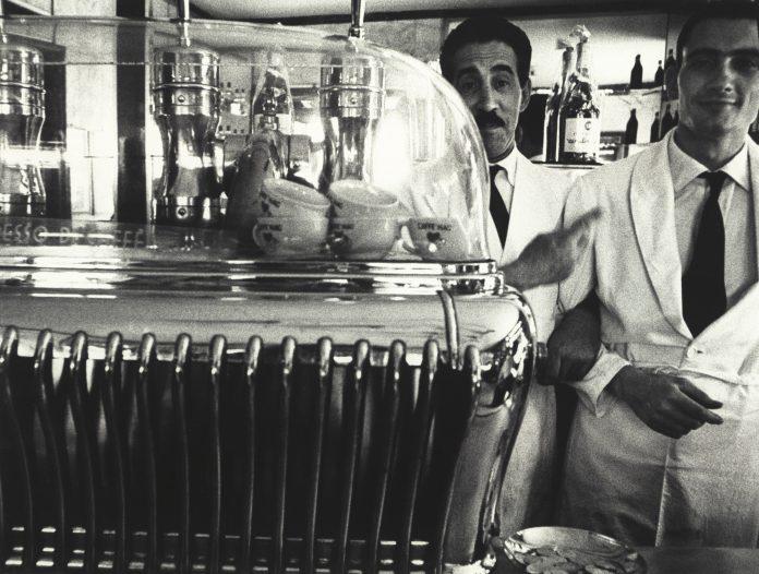 William Klein, Koffee and attendants 1956 © William Klein
