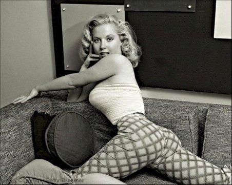 Betty Brosmer, la pin up girl più pagata degli anni '50