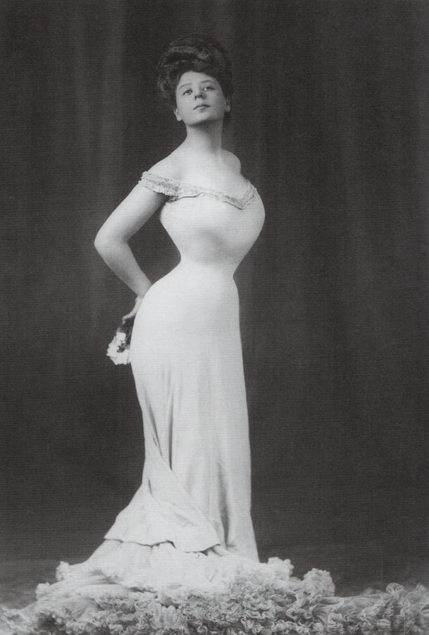 Camille Clifford, 1905