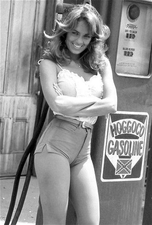 Catherine Bach nel ruolo di Daisy Duke in Hazzard, anni '70