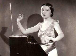 Clara Rockmore, theremin virtuoso, anni '30