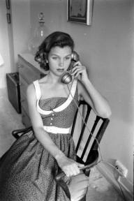 Lee Remick al telefono, 1959