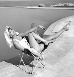 Marie-Hélène Arnaud all'Hotel Eden Roc, Cap d'Antibes, 1957
