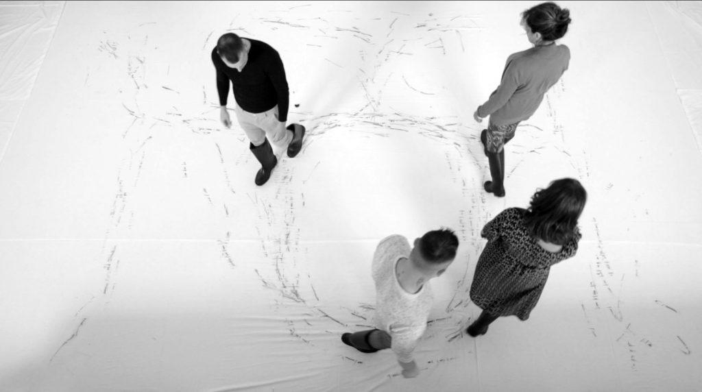 """Performance """"Mappa dell'abitudine"""" per """"Quello che rimane"""", courtesy L'Arte della Libertà"""