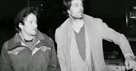 Robin Williams e Christopher Reeve chiamano un taxi a New York City, 1981