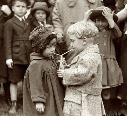 Bambini al White House Easter Egg Roll del 1922