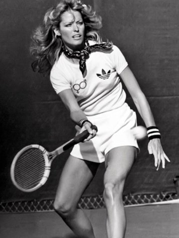 Farrah Fawcett gioca a tennis nel 1976