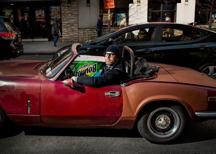 Ian Johnstone, quarantotto anni, paraprofessionista dell'educazione. Costco, East Harlem. Fotografia di Dina Litovsky