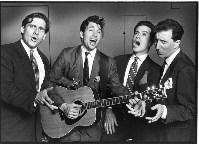 Steve Carell, Paul Dinello, Stephen Colbert e David Razowsky mentre si esibiscono a Second City, Chicago, 1993