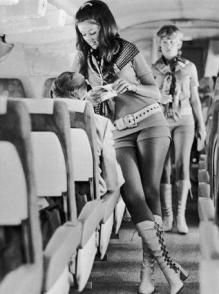 Un assistente di volo della Southwest Airlines, 1972