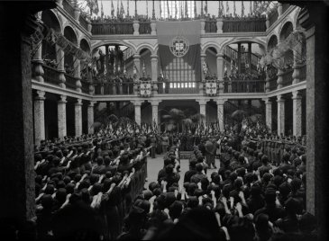 Cerimonia della gioventù portoghese nel Palazzo dei Conti di Almada (Lisbona, 1940-1944 ca.)