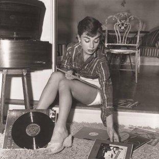 Audrey Hepburn. 1954