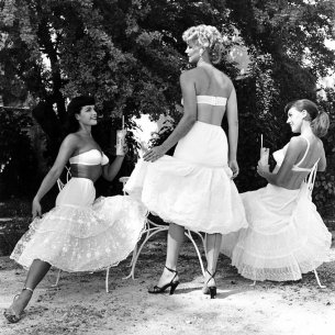 Bettie Page, Kathleen Stanley e Bunny Yeager, 1954