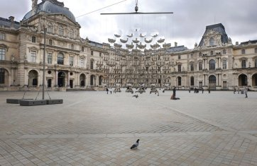 Louvre by Vincent Leroy