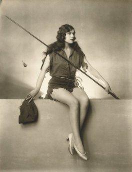 Naomi Johnson, ragazza dei Ziegfeld Follies, 1925