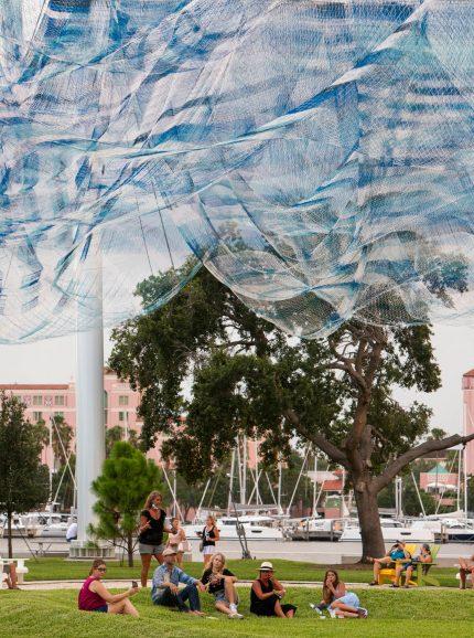 Bending Arc by Janet Echelman @ St Petersburg, USA