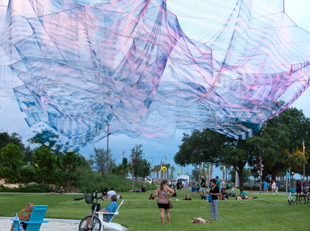 Bending Arc by Janet Echelman @ St Petersburg, USA