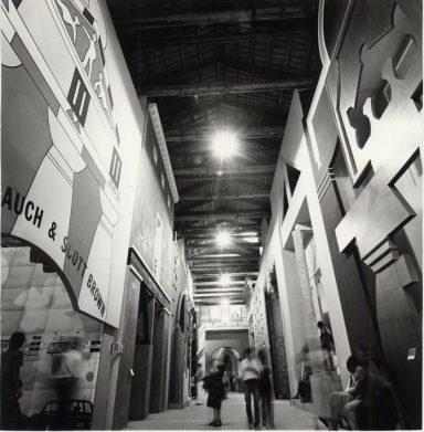 La Strada Novissima, allestimento interno Prima Mostra Internazionale di Architettura: La Presenza del Passato, 1980 Fotografia: ASAC