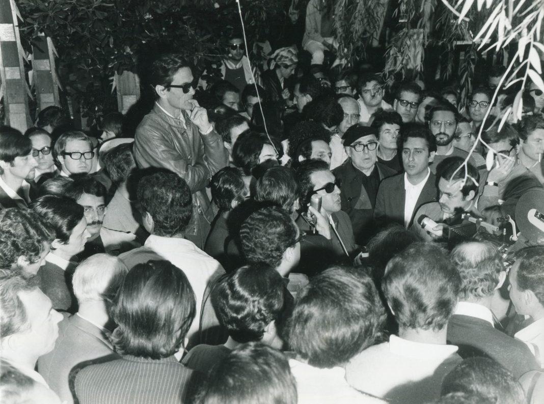 Manifestazione e contestazioni alla Mostra del Cinema (in foto: Pier Paolo Pasolini e Cesare Zavattini) 29. Mostra Internazionale d'Arte Cinematografica di Venezia, 1968 Fotografia: Giacomelli