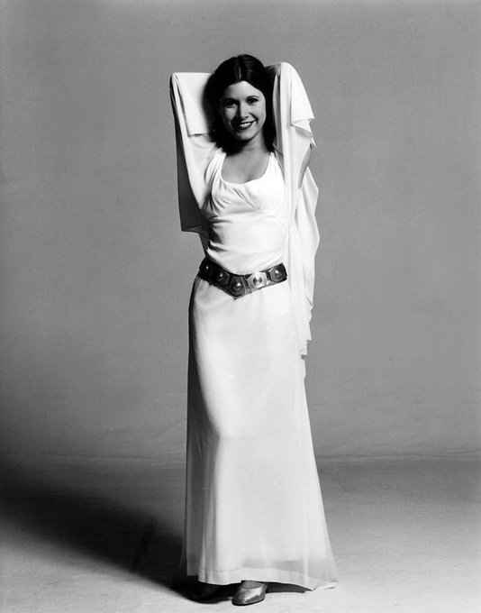 Carrie Fisher nel suo abito da cerimonia come principessa Leia