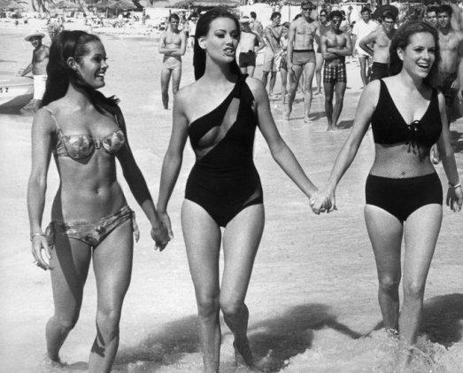 Martine Beswick, Claudine Auger e Luciana Paluzzi