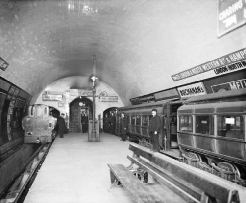 Metropolitana di Londra 100 anni fa