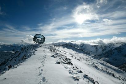 Our Glacial Perspectives by Olafur Eliasson. Il sito di installazione Our Glacial Perspectives in cima al ghiacciaio Hochjochferner in Alto Adige, Italia