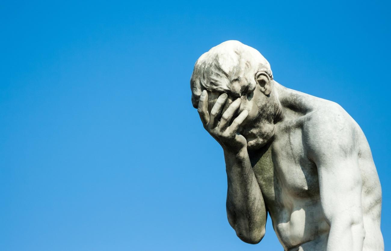Frammento della statua di Caino di Henry Vidal nel Giardino delle Tuileries a Parigi, Francia