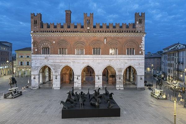 Paladino Piacenza veduta installazione. Fotografia di Lorenzo Palmieri