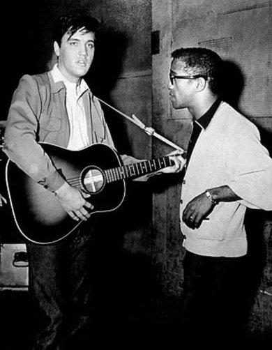 Sammy Davis Jr. ed Elvis Presley. 1958