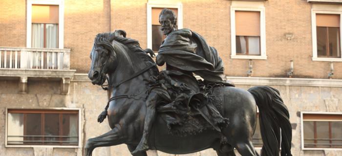 Statua equestre di Francesco Mochi. Fotografia di Pagani, Archivio Comune di Piacenza