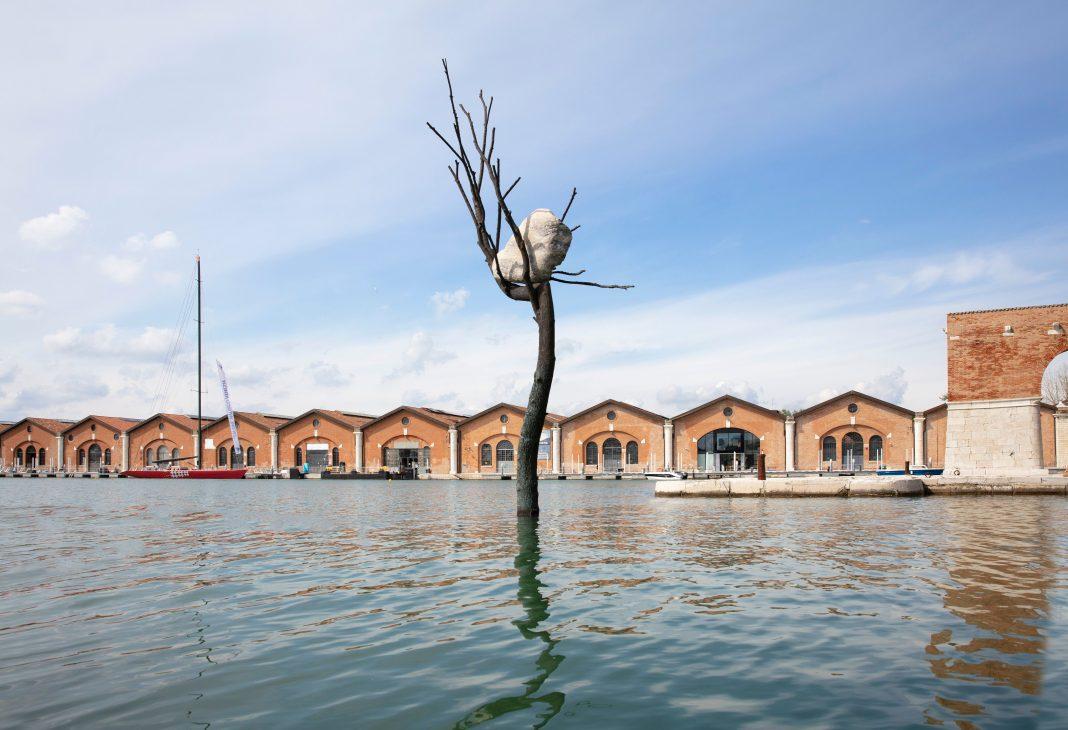 Giuseppe Penone's The Listener installation on view at the 17th International Architecture Exhibition - La Biennale di Venezia 2021. © Photo: Sebastiano Pellion di Persano. Courtesy of Vuslat Foundation and Giuseppe Penone