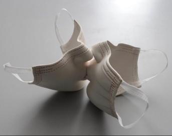 Porcelain sculpture by Johnson Tsang