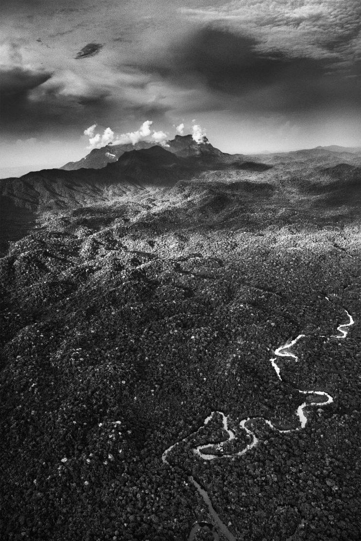 Il fiume Maiá nel Parco Nazionale Pico da Neblina, nella zona di São Gabriel da Cachoeira. Territorio Indigeno Yanomami. Stato dell'Amazzonia, 2018. Fotografia di Sebastião Salgado