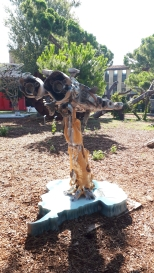 Scultura di Wantian Cui ai Giardini di Marinaressa