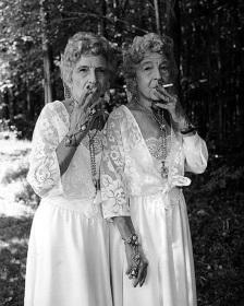 Sue Gallo Baugher and Faye Gallo at the Twins Festival. Twinsburg, Ohio, 1998. Photo by Mary Ellen Mark
